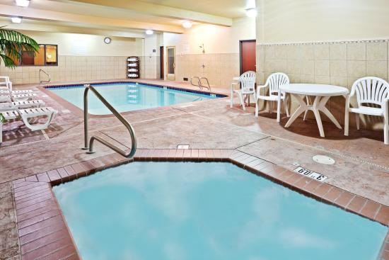 Holiday Inn Express Hotel & Suites Seaside Convention Center