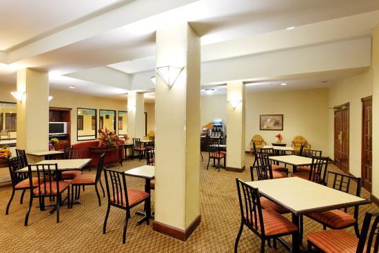 Sylacauga, AL: Breakfast Area