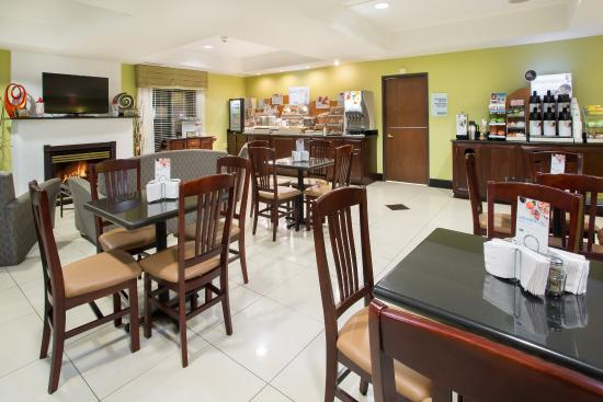 Holiday Inn Express Tell City: Breakfast Area