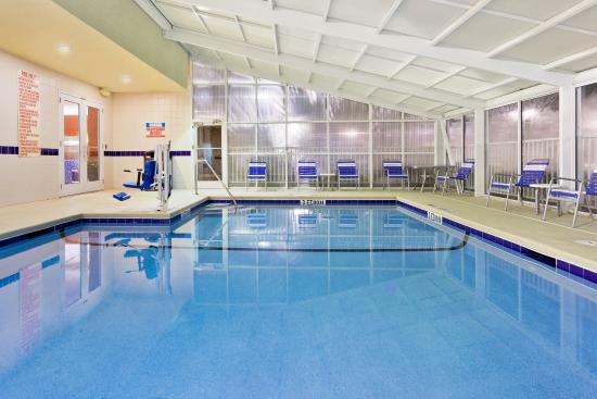 Holiday Inn Brunswick-I-95 (Exit 38): Swimming Pool
