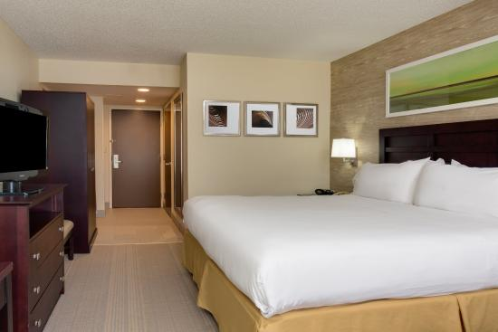 Holiday Inn Express in Wilkesboro: ADA/Hearing accessible King Guest Room