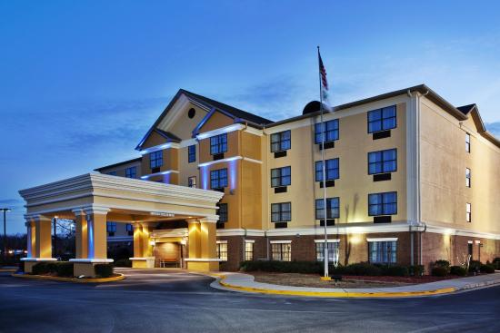 Holiday Inn Express Hotel & Suites Byron: Holiday Inn Express Byron, GA Exterior Feature