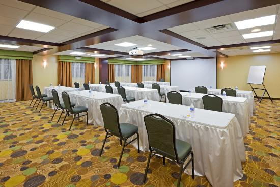 Holiday Inn Express Absecon - Atlantic City Area: 1100 square feet of  advanced technology