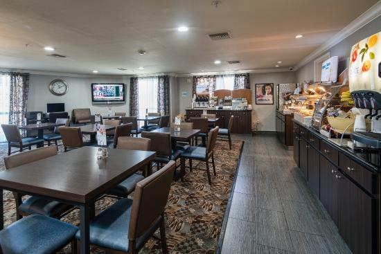 Holiday Inn Express Hotel & Suites - Santa Clara: Breakfast Area