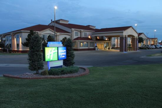 Holiday Inn Express-Ste Weatherfor