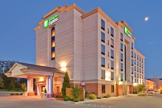 Photo of Holiday Inn Express Bloomington