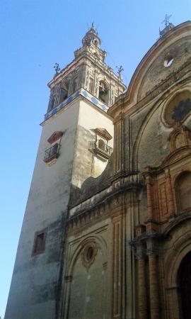 Hotel Plaza Escribano: historic church two blocks away
