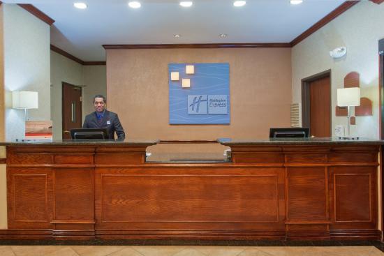 Duncanville, TX: Front Desk