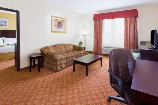 Duncanville, TX : One Bedroom Suite
