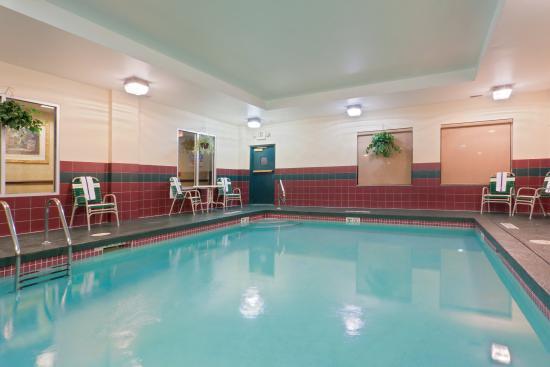 Newton Falls, OH: Swimming Pool