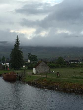 Tigh Na Mairi B&B : View toward the locks at Ft. Augustus from our room