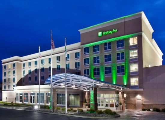 Holiday Inn Toledo/Maumee: A friendly welcome awaits as you enter Holiday Inn Toledo Maumee