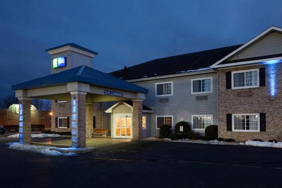 Holiday Inn Express Hendersonville Flat Rock: Exterior Feature