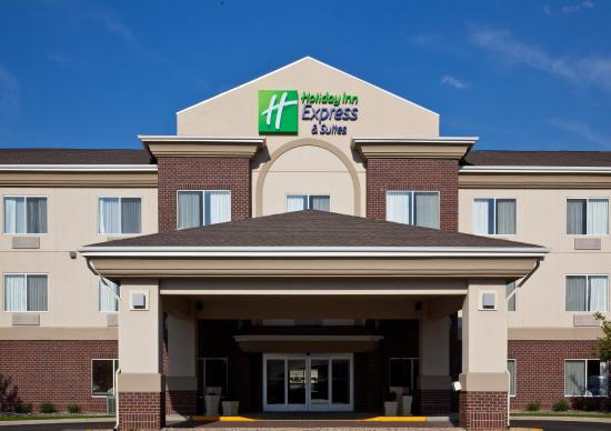 Holiday Inn Express Brookings : Hotel Exterior
