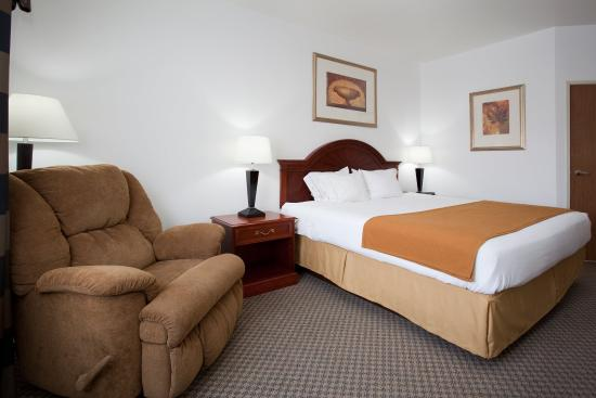 Eagle, CO: King Bed Guest Room