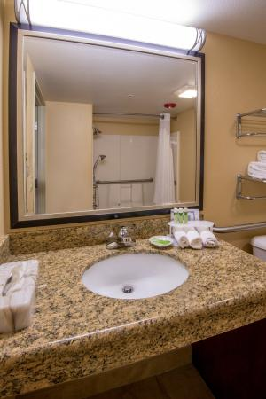 Holiday Inn Express Prescott: ADA/Handicapped accessible Guest Bathroom vanity