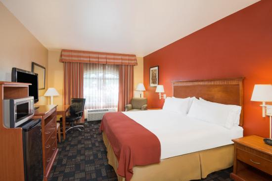 Holiday Inn Express Prescott: ADA/Handicapped accessible King Guest Room