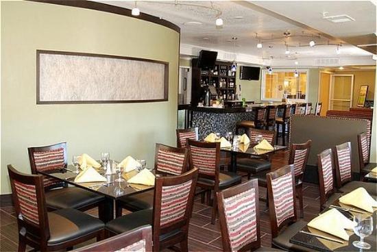 San Mateo, Californien: Bistro330 Restaurant & Bar.
