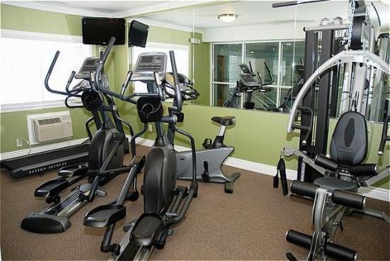 San Mateo, CA: Fitness Center.
