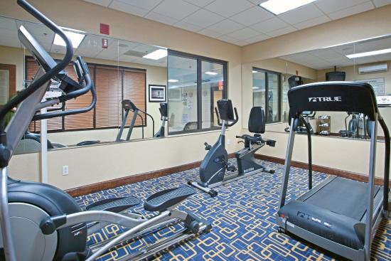 Holiday Inn Express Richmond Airport: Continue your daily routine in our Fitness Center!