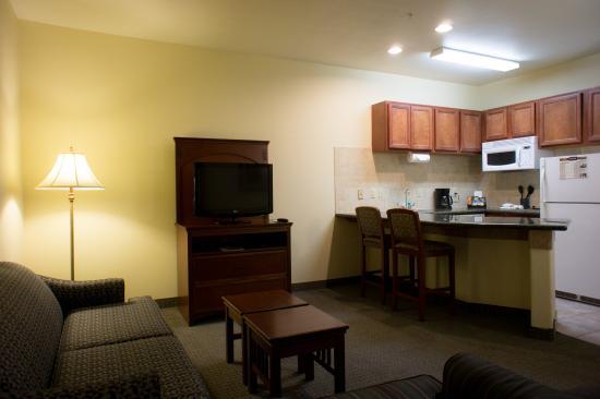 Staybridge Suites San Angelo: Two Queen Beds Executive Suite