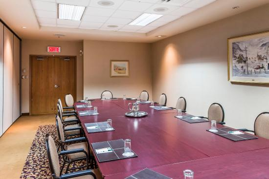 Quality Inn & Suites : Conference Room