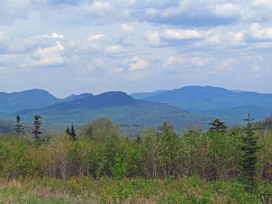 Upton, ME: Scene of the White Mountains nearby.