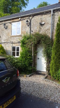 Compton Abdale, UK: The front door to our room (no 2)
