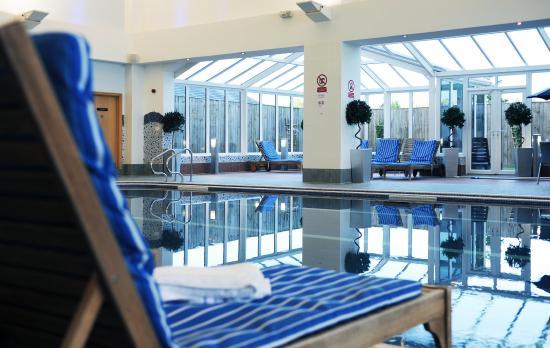 Village Hotel Bournemouth: Swimming Pool