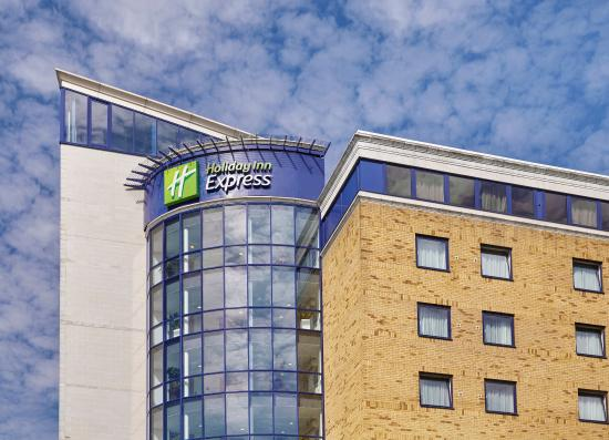 Holiday Inn Express London-Newbury Park: Exterior Feature