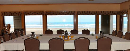 The Surfside Restaurant and Lounge: Oceanfront Meetings