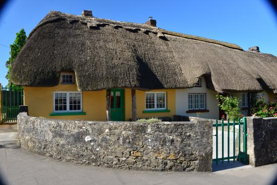 Thatched home in adare ireland 39 s prettiest village for Adare house