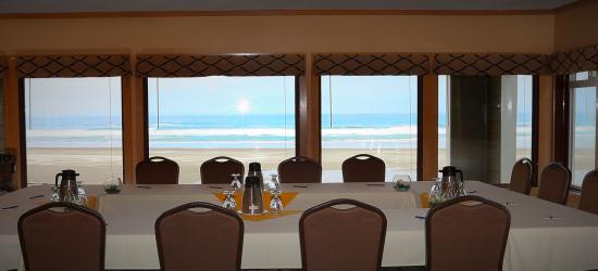 The Surfside Restaurant and Lounge: Lounge