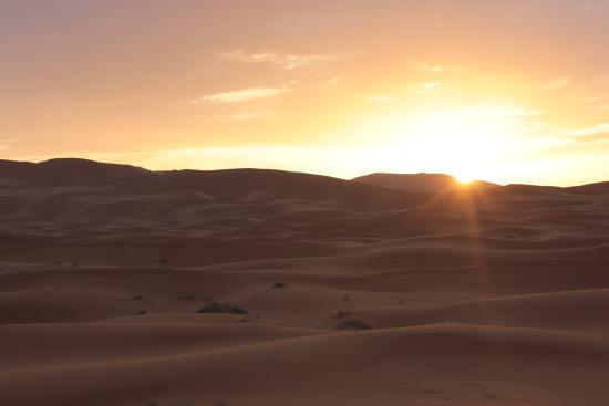 Desert Tripper: Precioso amanecer entre las dunas <3