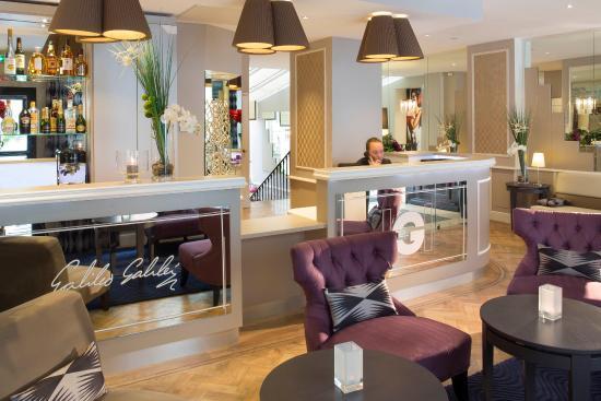 Hotel Galileo: Reception