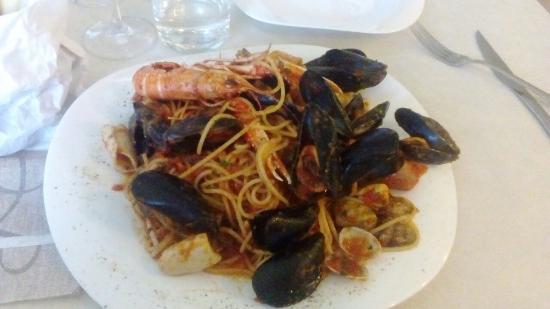 Il Giardino Delle Esperidi: Spaghetti 🍝 allo scoglio,  che bontà!