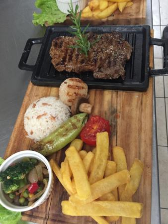 TERAS PUB & RESTAURANT: fillet steak