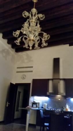 Ca' Sant'Angelo: kitchen area
