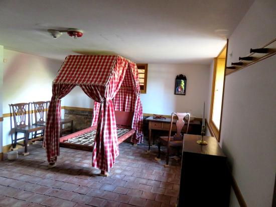North Carolina History Center - Tryon Palace: Housekeepers room