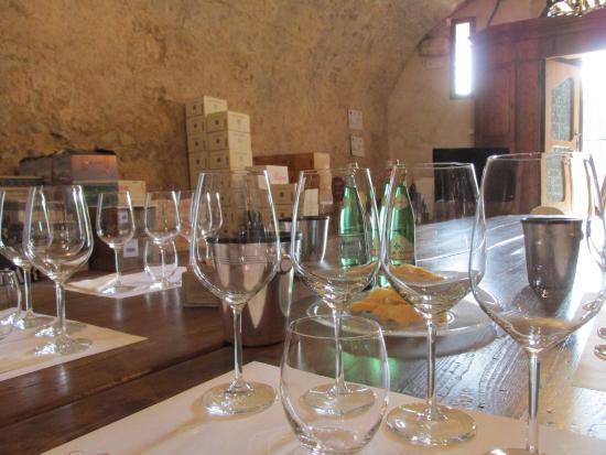 Villa Della Torre: Proper Wine Tasting