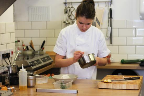 Robinsons Cafe: Bex in the Kitchen