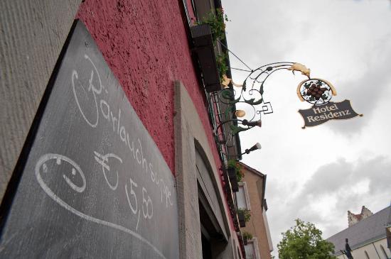 Hotel Residenz-Ravensburg: Neben recht günstigen Zimmern gibt's auch günstige Speisen.