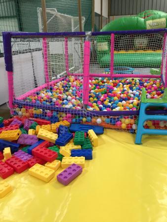Funshine: La piscine à balle
