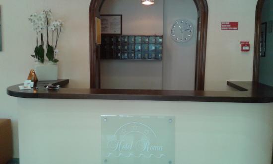 Hotel Roma: RECEPTION