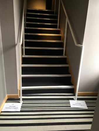 Radisson Collection Hotel Royal Mile Edinburgh: Do you need the fumes right outside your door?
