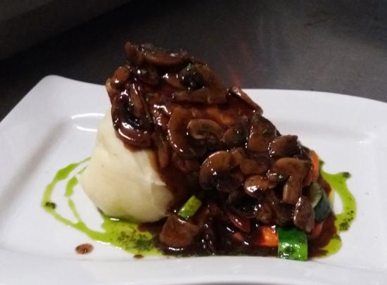 Scout's Place Restaurant & Bar: Delicious chicken marsala
