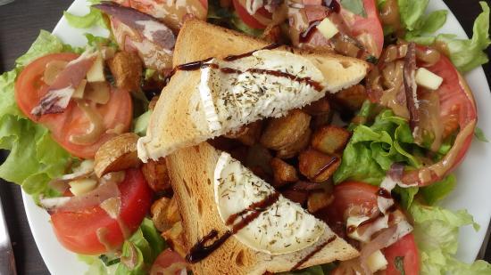 La Riviere des Vins: salade au chêvre