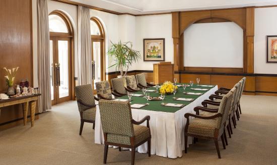 The Oberoi Sahl Hasheesh: Meeting room