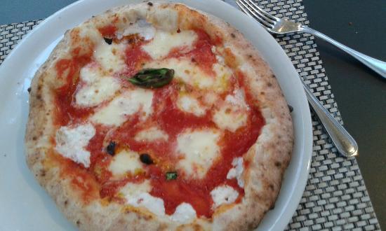 """PummaRe Prati: Pizza """"Cornicione"""""""