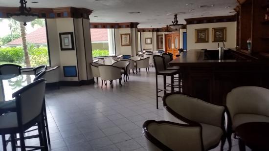 Breezes Resort & Spa Bahamas - All-Inclusive: Piano Bar